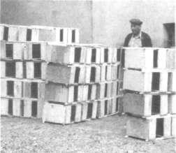 Бессотовые пакеты, сколоченные в батареи, подготовлены к отправке
